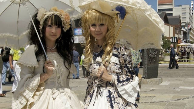 Lolita fashion finds a niche in the U.S.