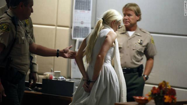 Lindsay Lohan evita ir a la cárcel tras pagar 100.000 dólares de multa