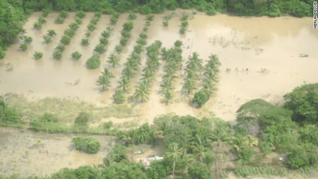 Las lluvias arrasan con la agricultura y las vías en El Salvador