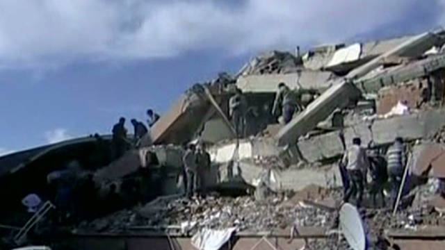 More than 230 dead in Turkey quake; 1300 more hurt - CNN.
