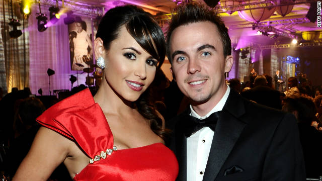 Frankie Muniz is engaged