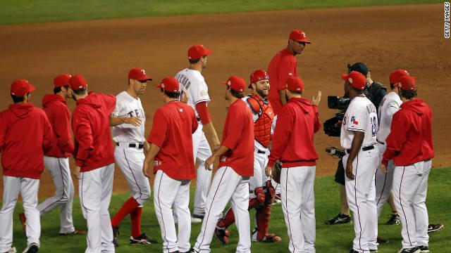 Los Texas Rangers, a un triunfo de ganar su primera Serie Mundial