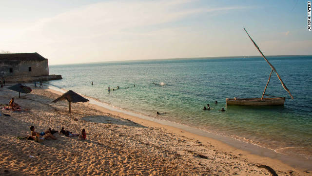 With 2,500 km of coastline along the warm Indian Ocean, Mozambique has a number of beautiful beaches.<!-- --> </br>