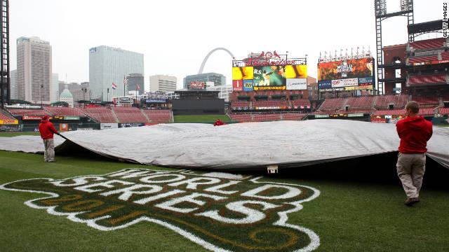 Posponen por lluvia sexto juego de la Serie Mundial de béisbol