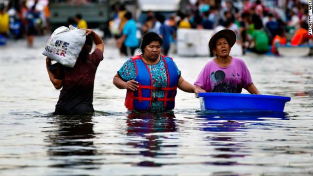 Tailandia teme una crisis humanitaria por la peor inundación desde 1942