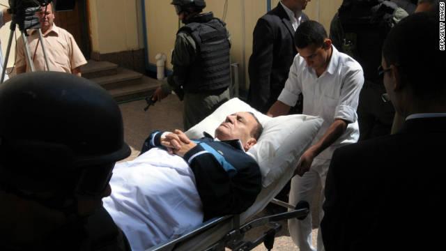 El juicio al expresidente de Egipto Hosni Mubarak se aplaza hasta diciembre