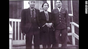 Ito visits his parents at the Rohwer internment camp.