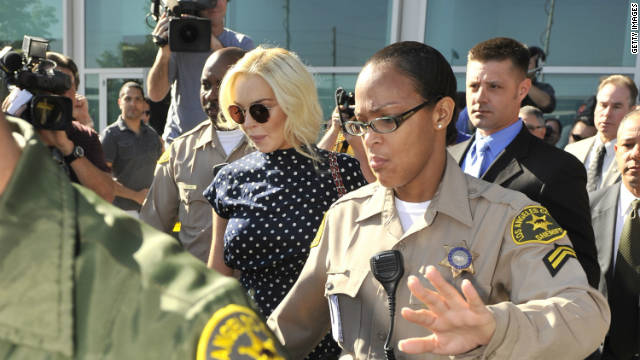 Lindsay Lohan regresa a la cárcel por violar su libertad condicional