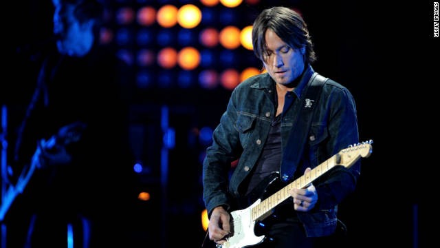 Keith Urban is scheduled to undergo throat surgery this month.
