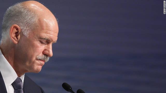 El primer ministro de Grecia Yorgos Papandréu renuncia hoy