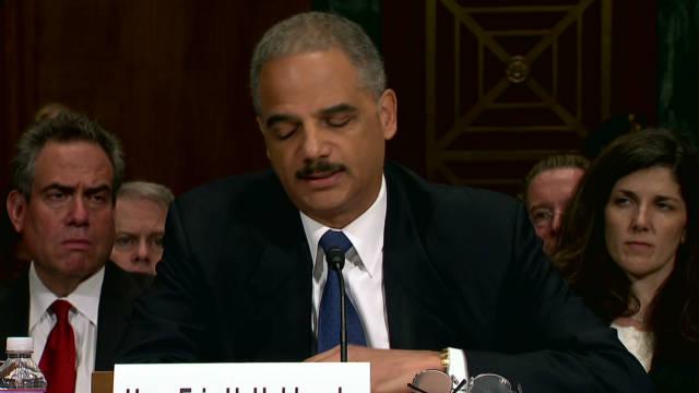 """Republicanos presionan a Eric Holder para que renuncie por """"Rápido y Furioso"""""""