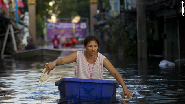 Bangkok floodwaters rise