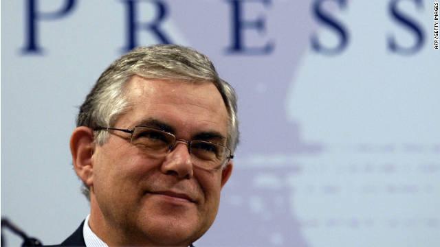 Lucas Papademos es nombrado primer ministro de Grecia