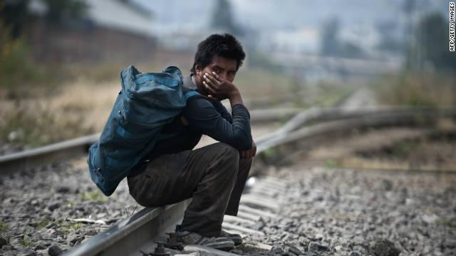 Hallan en Chiapas a 140 centroamericanos ilegales que viajaban en un tráiler
