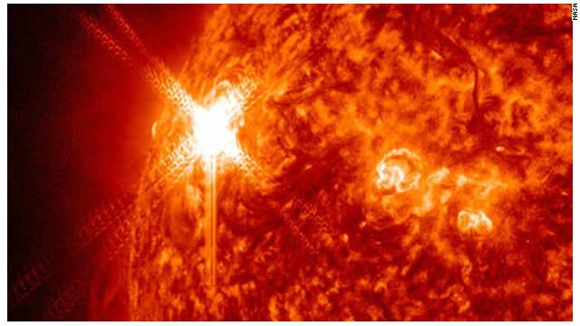 Las erupciones solares no destruirán la Tierra, asegura la NASA