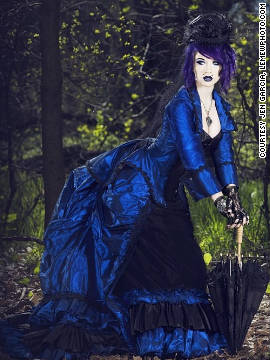 Steampunk designers and costumers share the best of their collections. This ensemble by Belinda Barry is available for customizing in her Etsy store, Romantic Threads.