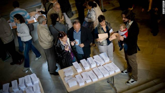 El PP domina en Galicia y los nacionalistas ganan en el País Vasco