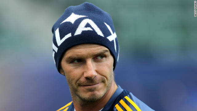 David Beckham has re-signed with the Los Angeles Galaxy after the best season of his five-year MLS career.