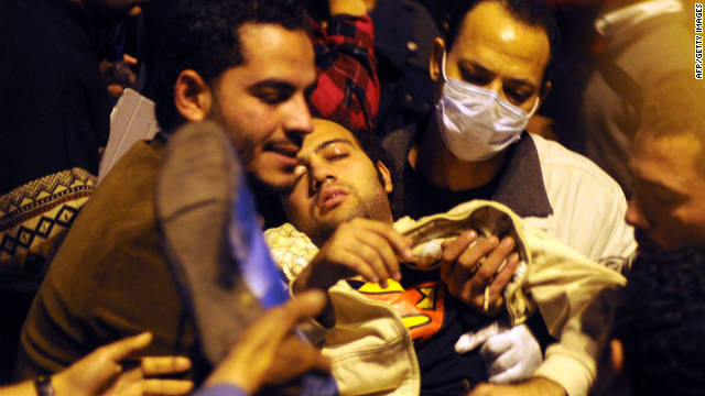 Cuarto día de enfrentamientos y violencia en Egipto