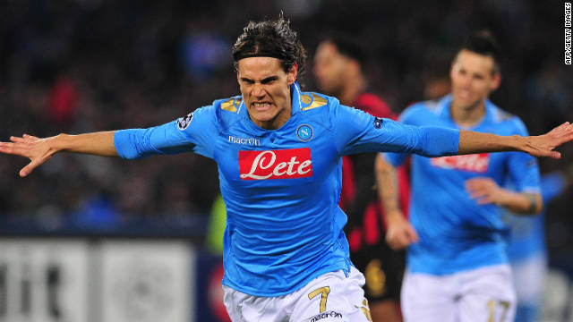 Edinson Cavani celebrates his winning goal as Napoli beat Manchester City 2-1