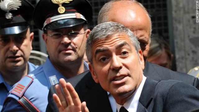 Clooney y Ronaldo podrían ser llamados a testificar en juicio a Berlusconi