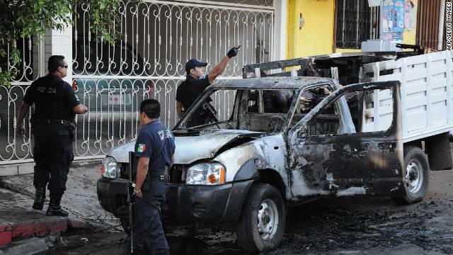 Las autoridades del estado mexicano de Sinaloa localizan más de 20 cadáveres