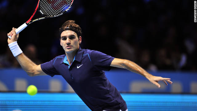 Federer busca sexto título consecutivo en Londres tras alcanzar su final número 100