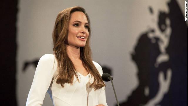 El otro sueño de Angelina Jolie: ser directora de una funeraria