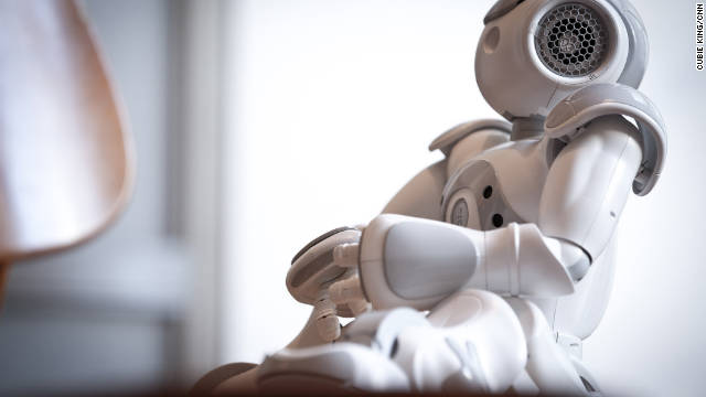 One robot&#039;s quest to start an acting school - and get a date with Siri