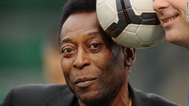 Pelé vuelve a jugar fútbol a los 72 años