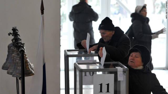 Rusos votan en elecciones parlamentarias en medio de denuncias de ataques cibernéticos