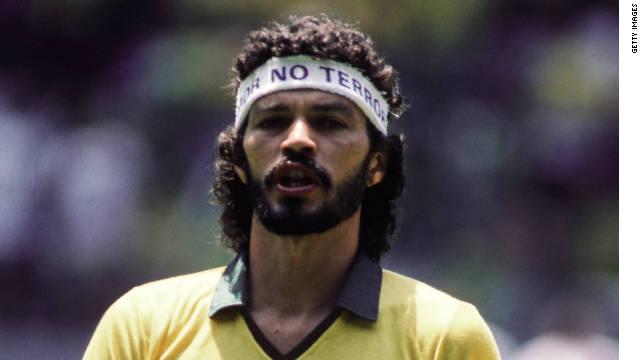 Muere exfutbolista brasileño Sócrates