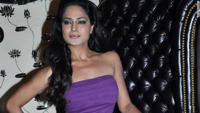 Veena Malik alega que en India manipularon sus fotos desnudas