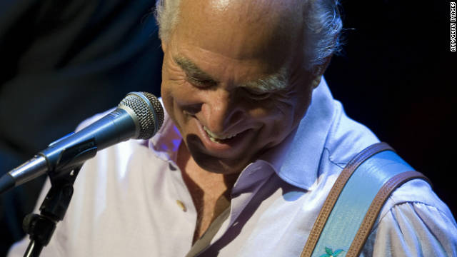 Singer songwriter Jimmy Buffett has fun with his tune &quot;Mermaid in the Night.&quot;