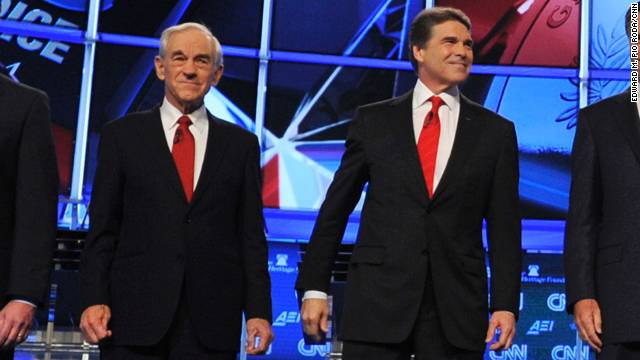 Ron Paul defends Rick Perry, calls indictment 'a joke'