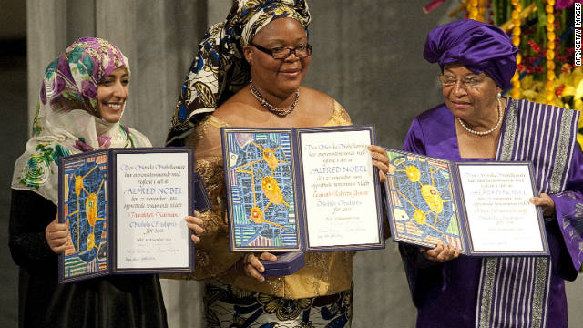 Leymah Gbowee (C) shared the 2011 prize with Ellen Johnson Sirleaf (R) and Yemeni activist Tawakkol Karman.