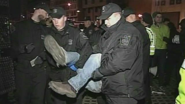 La policía desaloja a los manifestantes de «Ocupa Boston» y detiene a 46 personas