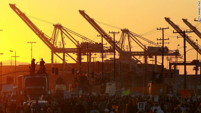 Los «indignados» intentan bloquear los puertos de Estados Unidos