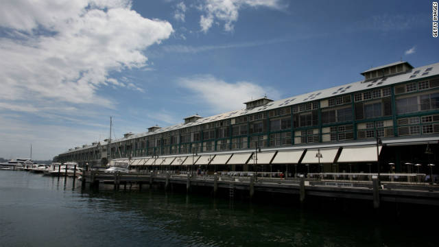 Some of the city's finest restaurants are located on Woolloomooloo Wharf.
