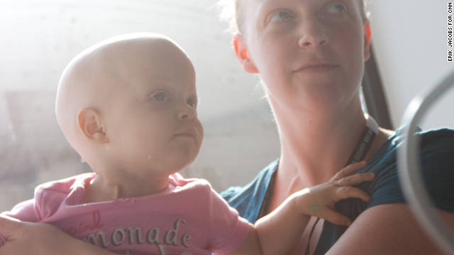 Baby who fought cancer with mom dies