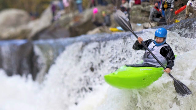 Gotta Watch: Extreme kayakers plunge down waterfalls