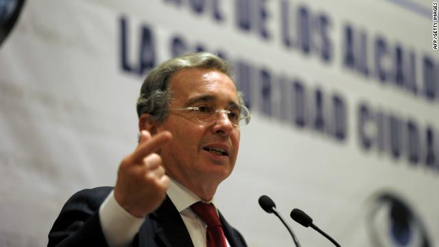 Álvaro Uribe asesorará en seguridad a la oposición de Chávez en las elecciones