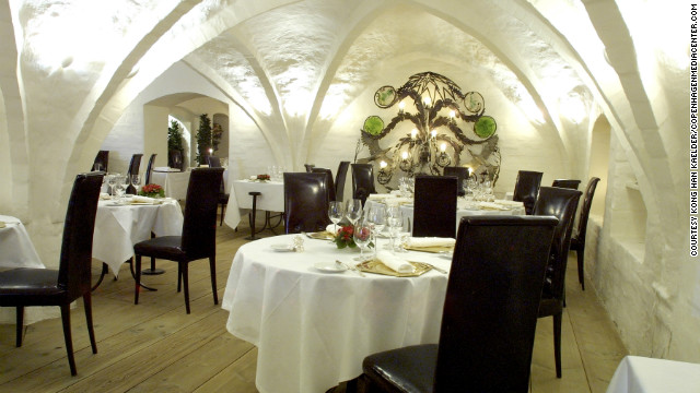 Kong Hans Kaelder, or King Hans' Cellar, has one star in the Michelin Guide. Chef Thomas Rode Andersen offers his patrons classic French cuisine with a twist. Meals are enjoyed under vaulted ceilings that have supported one of Copenhagen's oldest buildings for more than half a millennium.