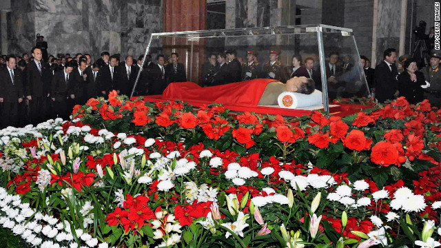 The body of Kim Jong Il lies in state in a glass coffin in Pyongyang on December 20, 2011.