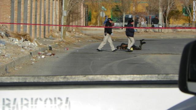 Queman vivo a un oficial de policía en Ciudad Juárez, México