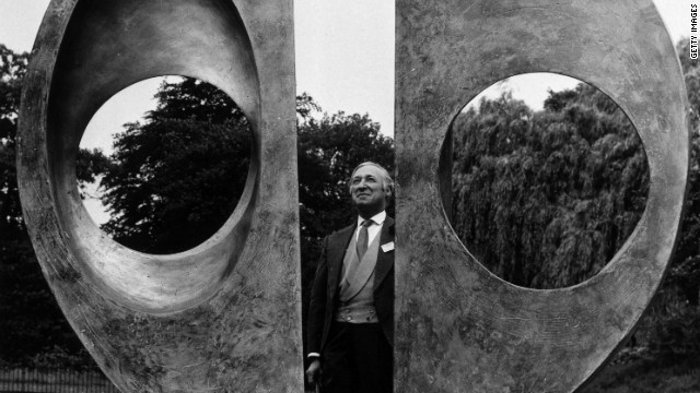 Arts official Harold Sebag-Montefiore inspects Barbara Hepworth's