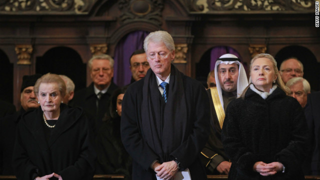 Fmr. U.S. President Clinton and his wife Hillary, pictured alongside Fmr. U.S. Secretary of State Madeline Albright who was born in Prague.