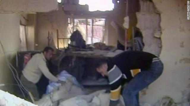 Suicidas detonan coches bomba frente a edificios gubernamentales de Siria