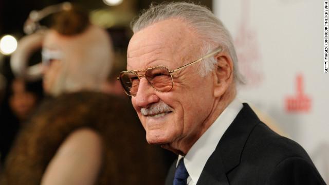 Stan Lee trabaja en «Chakra, el invencible», el primer superhéroe indio