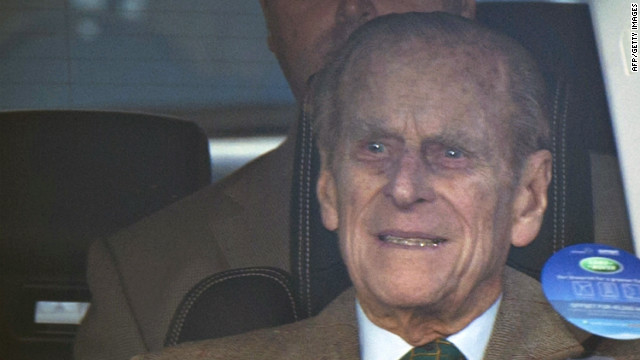 El príncipe Felipe sale del hospital para reunirse con su familia